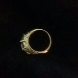 unbranded Jewelry - Ring